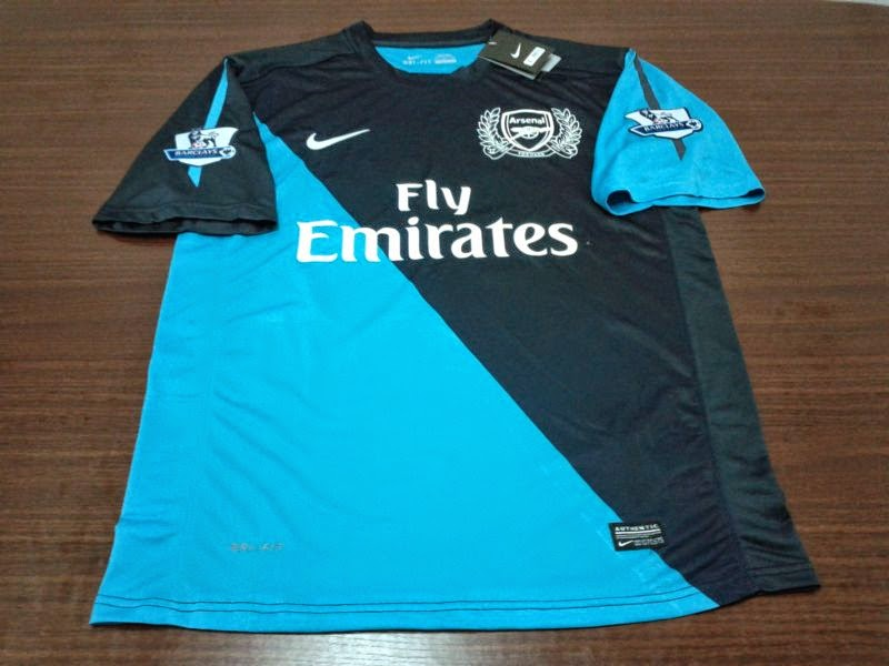 b97a2b547 Arsenal Away 2011 2012. Spesifikasi   BNWT (Brand New With Tag) Grade AAA  Made In Thailand Price Rp.170.000