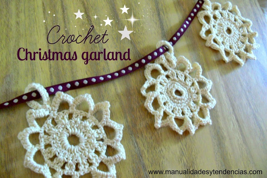 Crochet Christmas garland