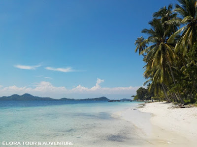 Indonesia Surga Wisata Bahari dan Pantai Elora Tour & Adventure
