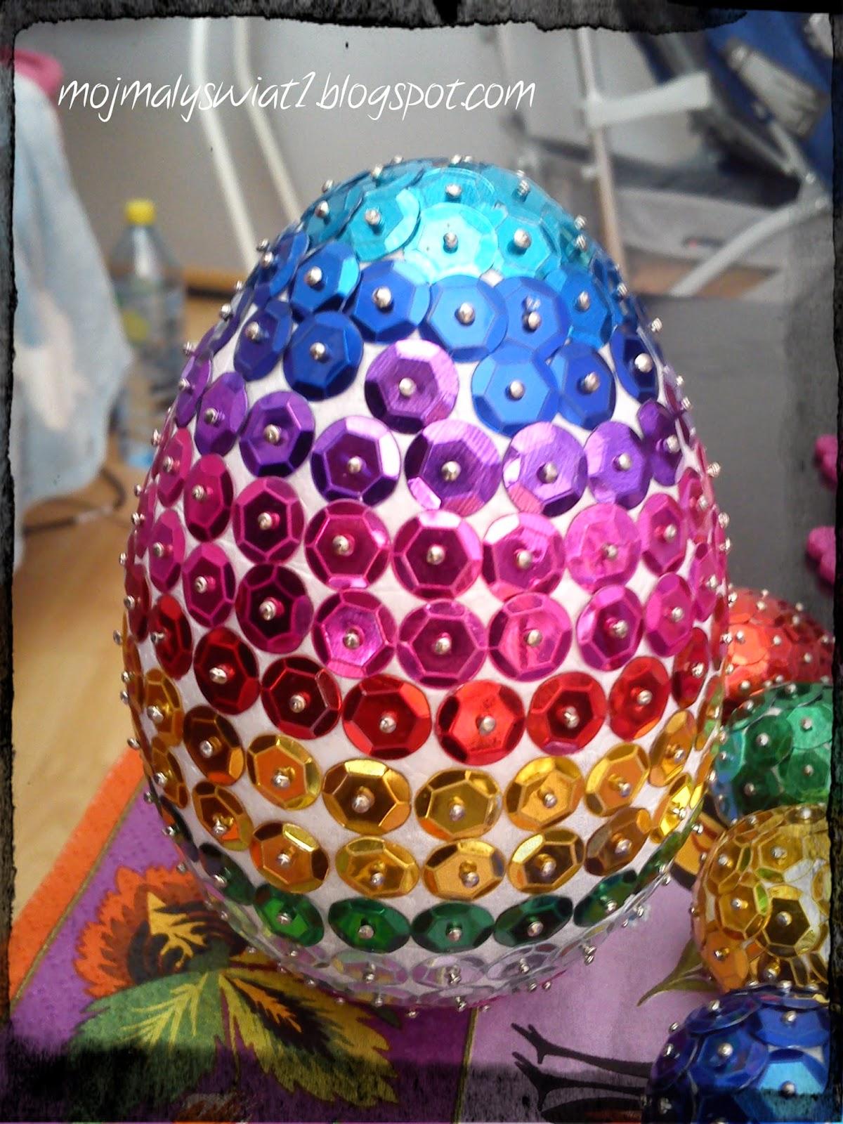 jajko z cekinków