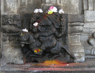 Ganesha riding the mouse