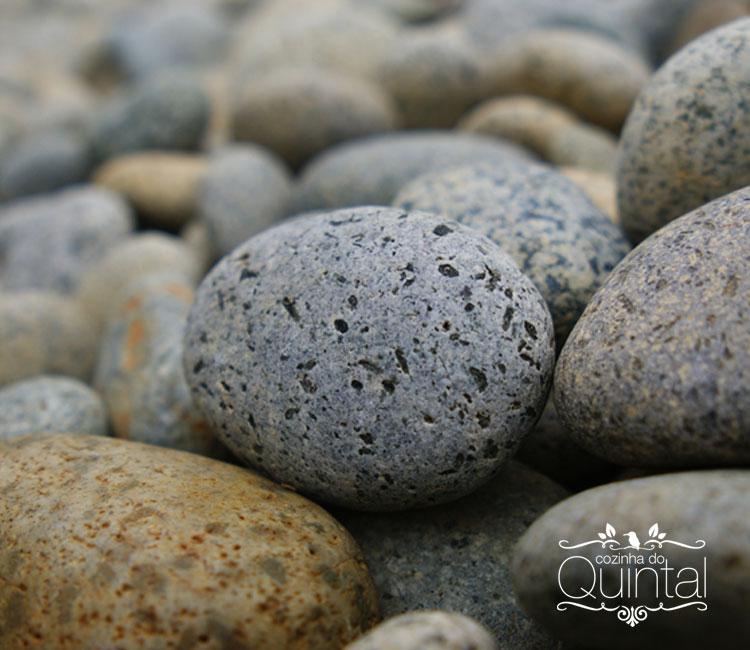 No meio do caminho tinha uma pedra, tinha uma pedra no meio do caminho