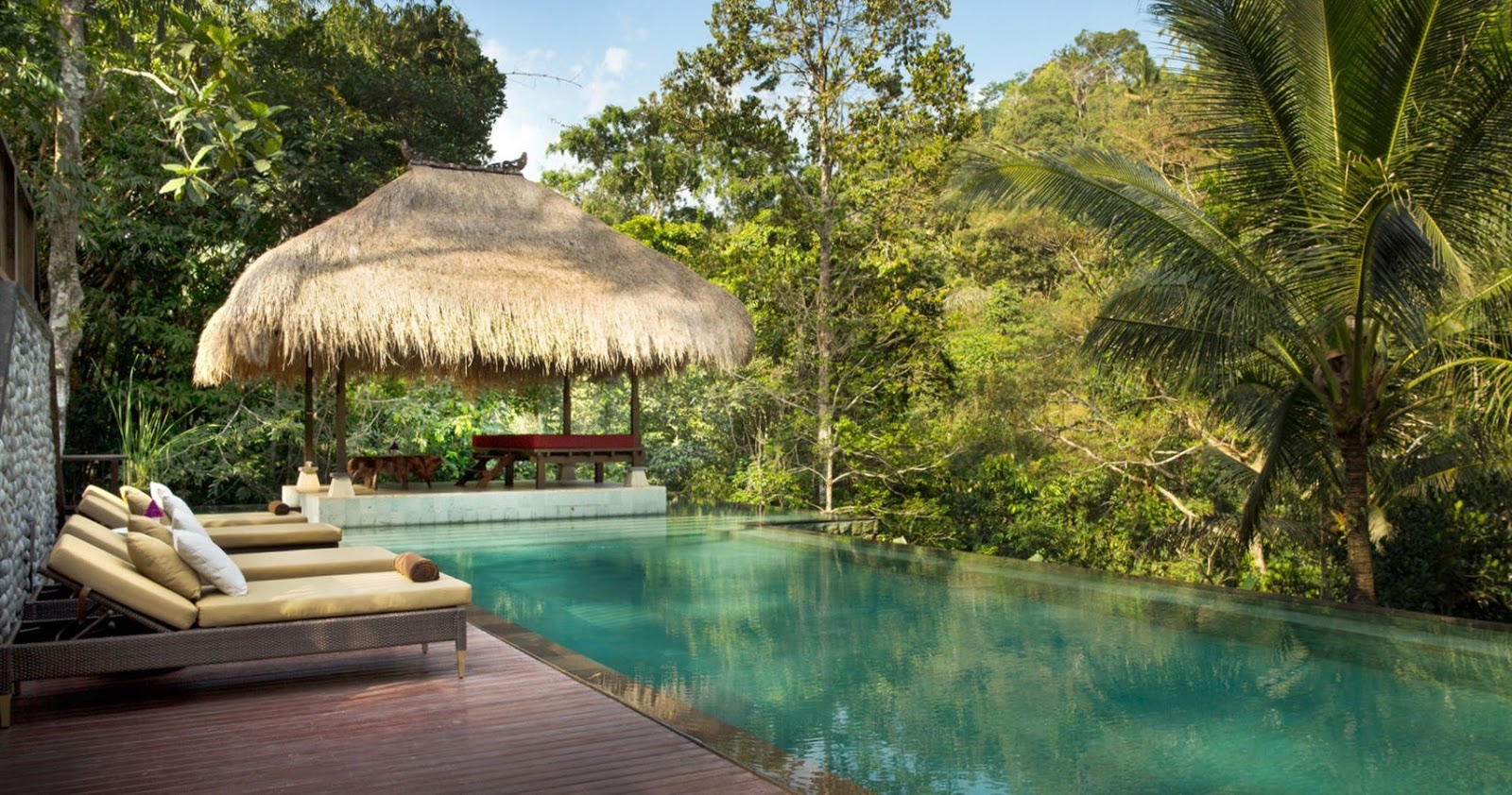 Passion For Luxury : Hanging gardens of Bali