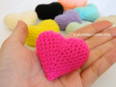 hearts, amigurumi, crochet, yarns, wools, love, cuore, uncinetto, picorella, hennyreale, designer, designs, pastels, colors, cute, happy, summer