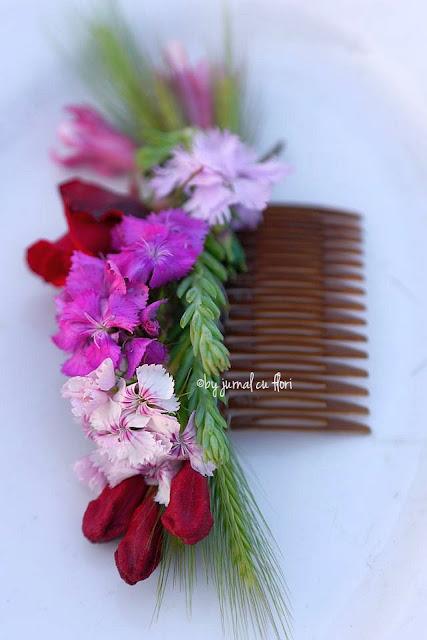 accesorii floristica pentru par pieptene din flori naturale fresh flower hair comb