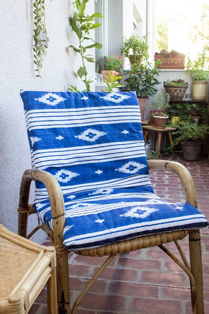 DIY Sitzauflage für Balkonsessel | Sitzkissen für Garten & Balkon selber nähen | DIY Idee und Upcycling Projekt für Terrasse