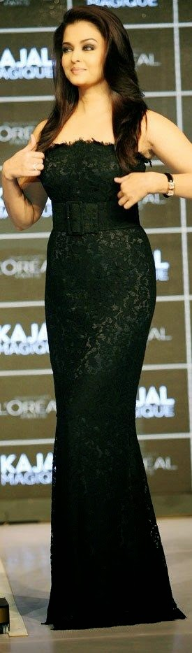 Aishwarya Rai Long Black Skirt
