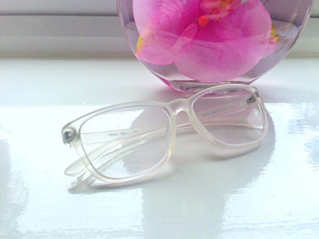 GlassesShop.com - Stylish New 'FP0479 - Clear' Glasses Review