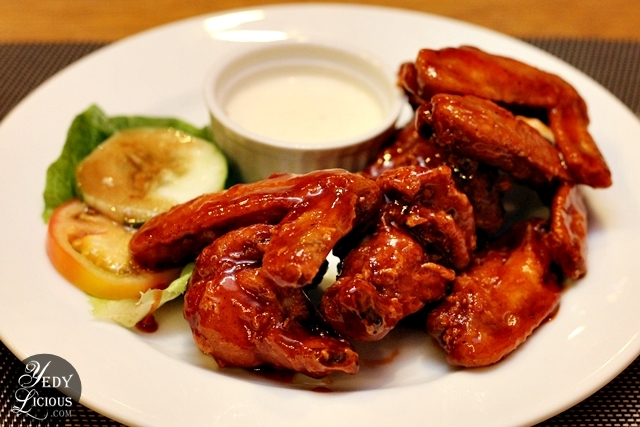 Beeffalo Wings with Blue Cheese Dip