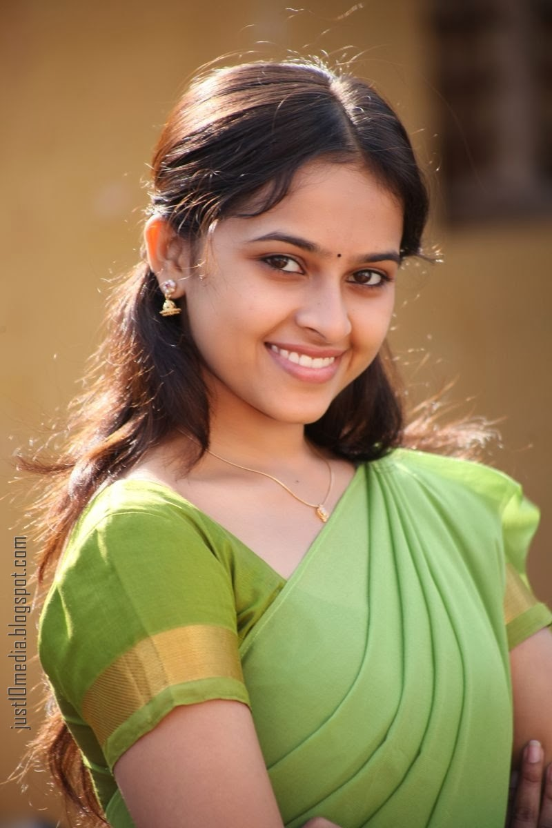 Actress Sri Divya Photos