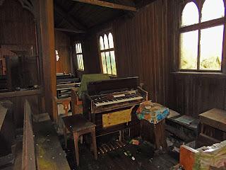 """<img src=""""organ"""" alt="""" https://derelictmanchester.blogspot.com/p/abandoned-church.html"""" />"""