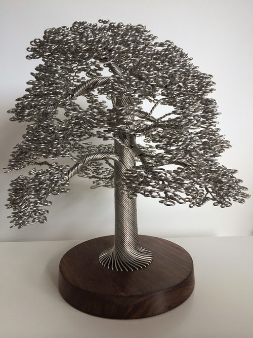 02-Clive-Maddison-Small-Wire-Tree-Sculptures-www-designstack-co