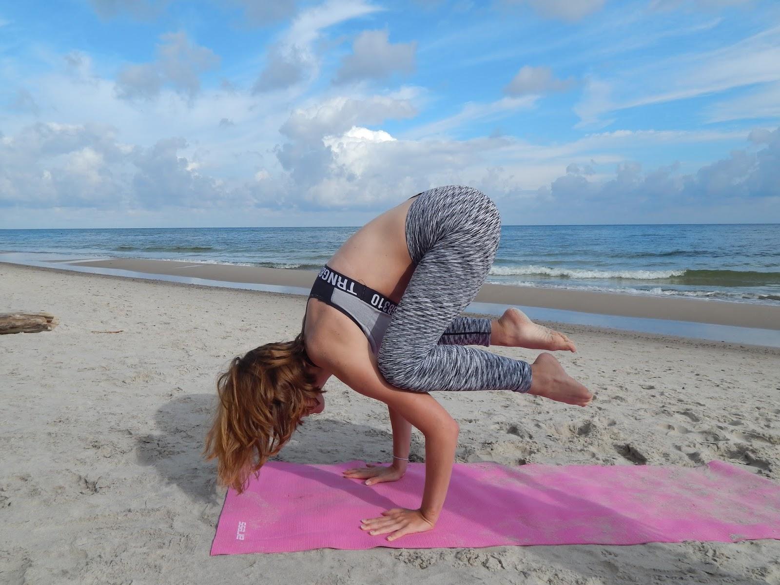jóga na pláži v Polsku