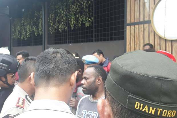 Dipukul Mundur Polisi, Bentrok Mahasiswa Papua dan Ambon Berhasil Dicegah