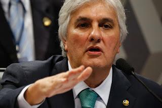 Palocci era a ponte entre governo e empreiteiros, diz Delcídio