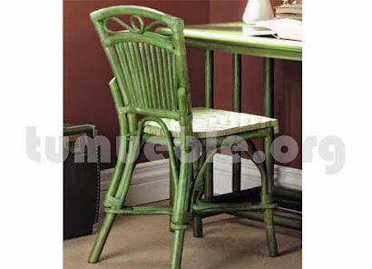 silla hecho en anea natural y caña de bambú j297