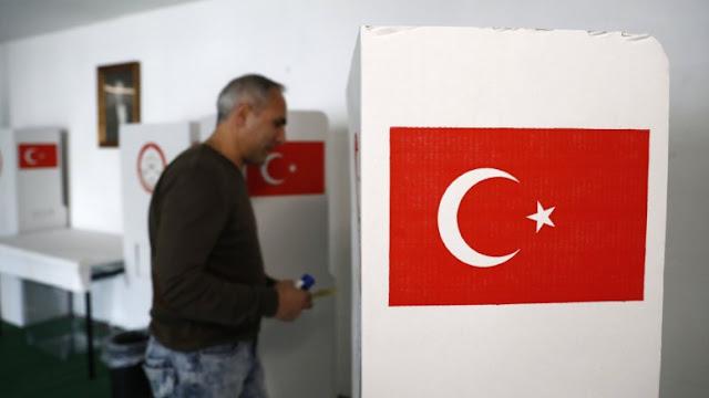 Politico: Ο Ερντογάν θέλει να υφαρπάξει, οριστικά, την εξουσία στην Τουρκία