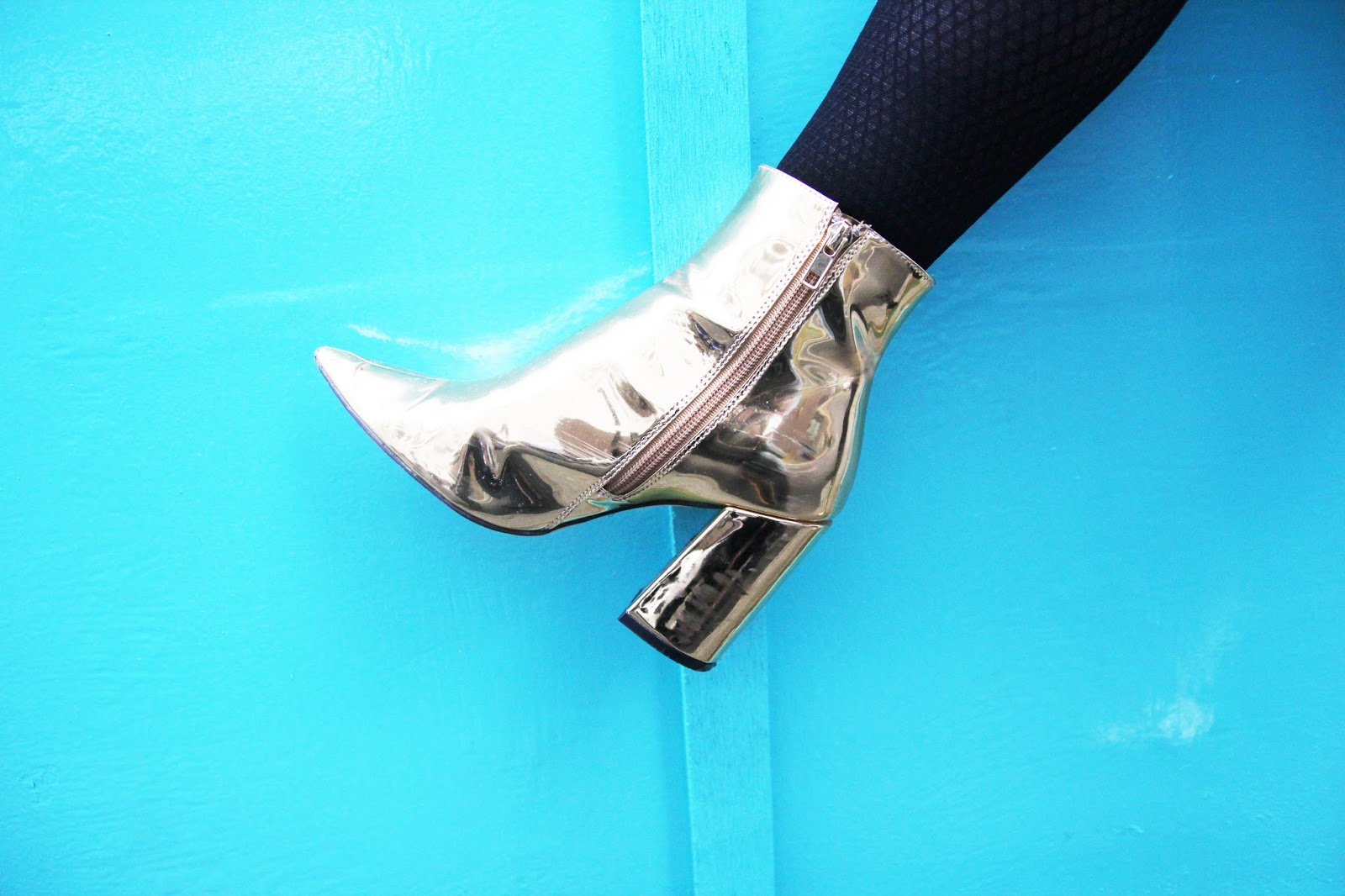 Blogger Lucy Love wears New Look Metallic Gold Boots