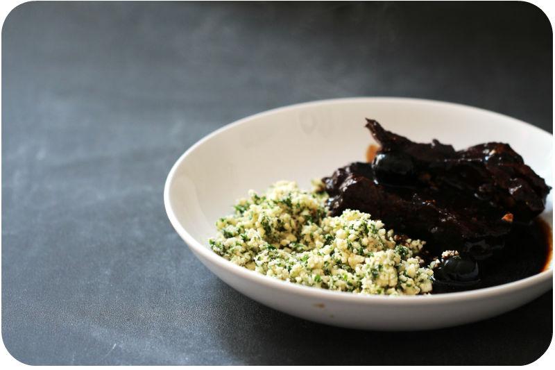 Blumenkohl-Taboulé (Blumenkohl-Couscous) mit Lammkeule in Rotwein und Oliven | Arthurs Tochter Kocht von Astrid Paul