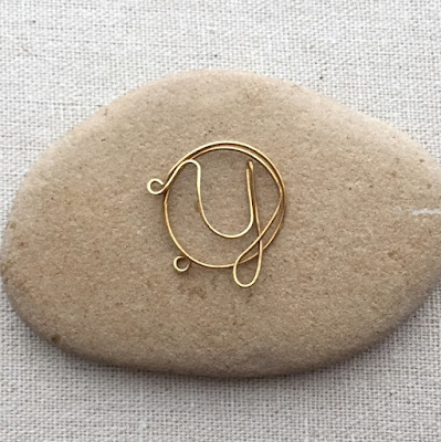 How to wire wrap initial letters with link to template - Lisa Yang's Jewelry Blog
