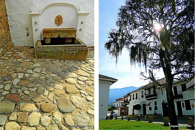 Fonte e casarões coloniais em Villa de Leyva, Colômbia