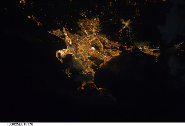 Satellite photo of Cape Town city lights as seen from space