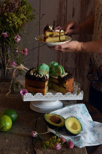 avocado-cake-with-poppy-seeds, bizcocho-de-aguacate-con-semillas-de-amapola