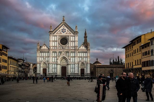 Iglesia de la Santa Croce :: Canon EOS5D MkIII | ISO100 | Canon 24-105 @32mm | f/4.0 | 1/40s