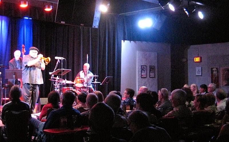 Balada Kuumbwa Jazz Center em Santa Cruz na Califórnia