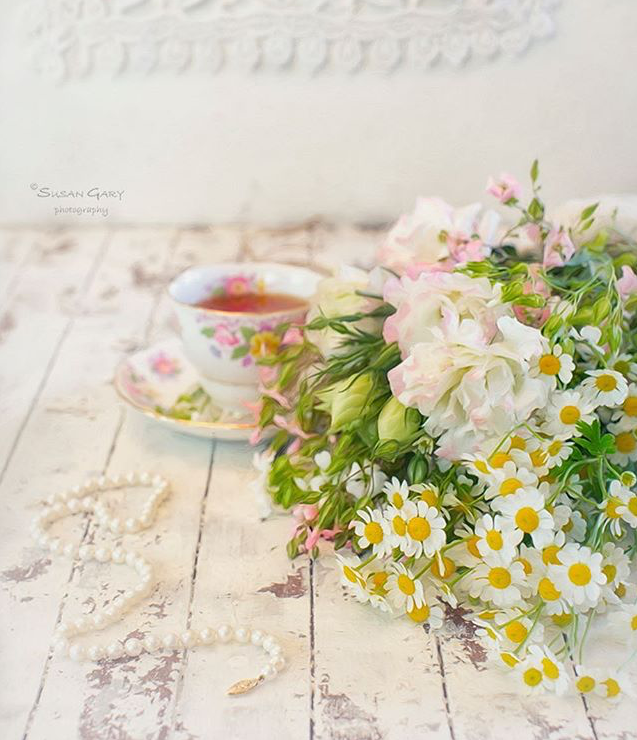 Styling with Vintage Teacups - Susan Gary, Susan Gary Glorious Nature, Styling and Photographing Vintage Teacups, vintage teacups, vintage teacup styling, vintage pastel teacups, Vintage Tea Treasures on Etsy, Vintage Tea Treasures - An Etsy Shop