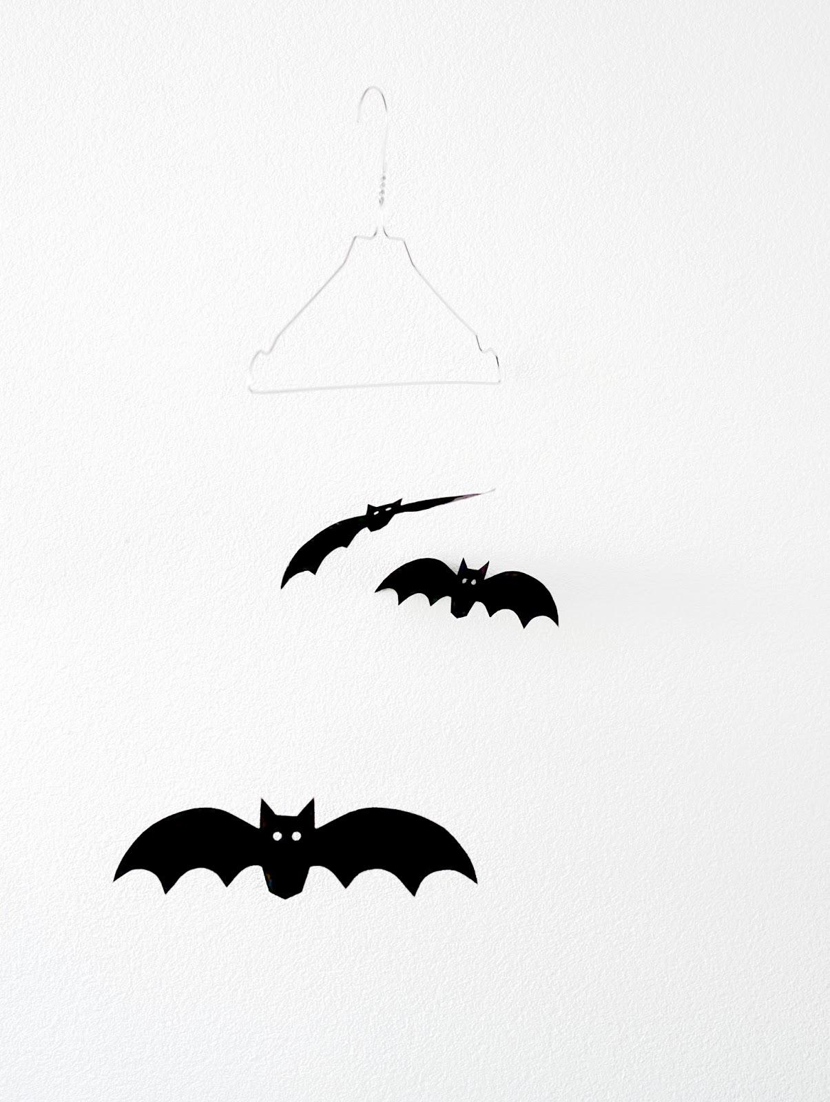 Halloween met papieren vleermuizen