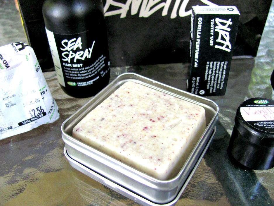 lush-cosmetics-haul, sea-spray-hair-mist, buffy, dirty-toothy-tabs