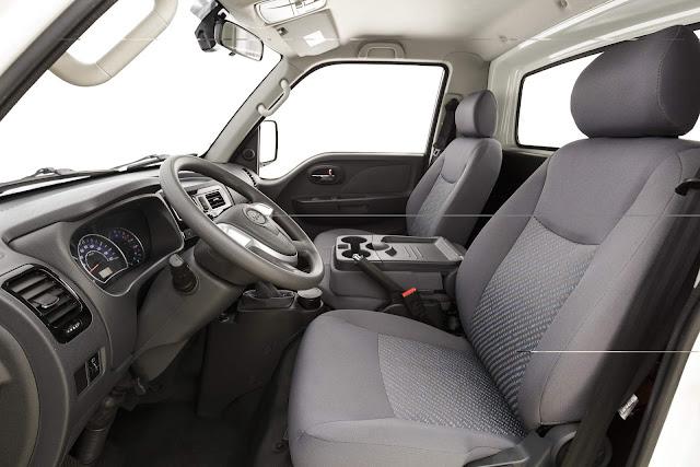 JAC V260 - interior
