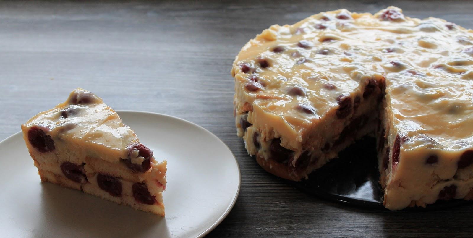 Kuchen Mit Pudding Und Obst Beeren Joghurt Torte