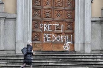 Roma: arrestato prete pedofilo recidivo