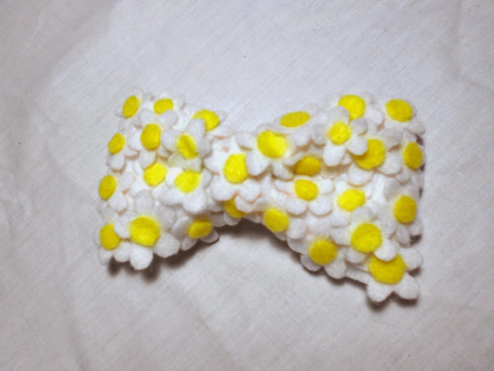 DIY hair bows - daisy bow