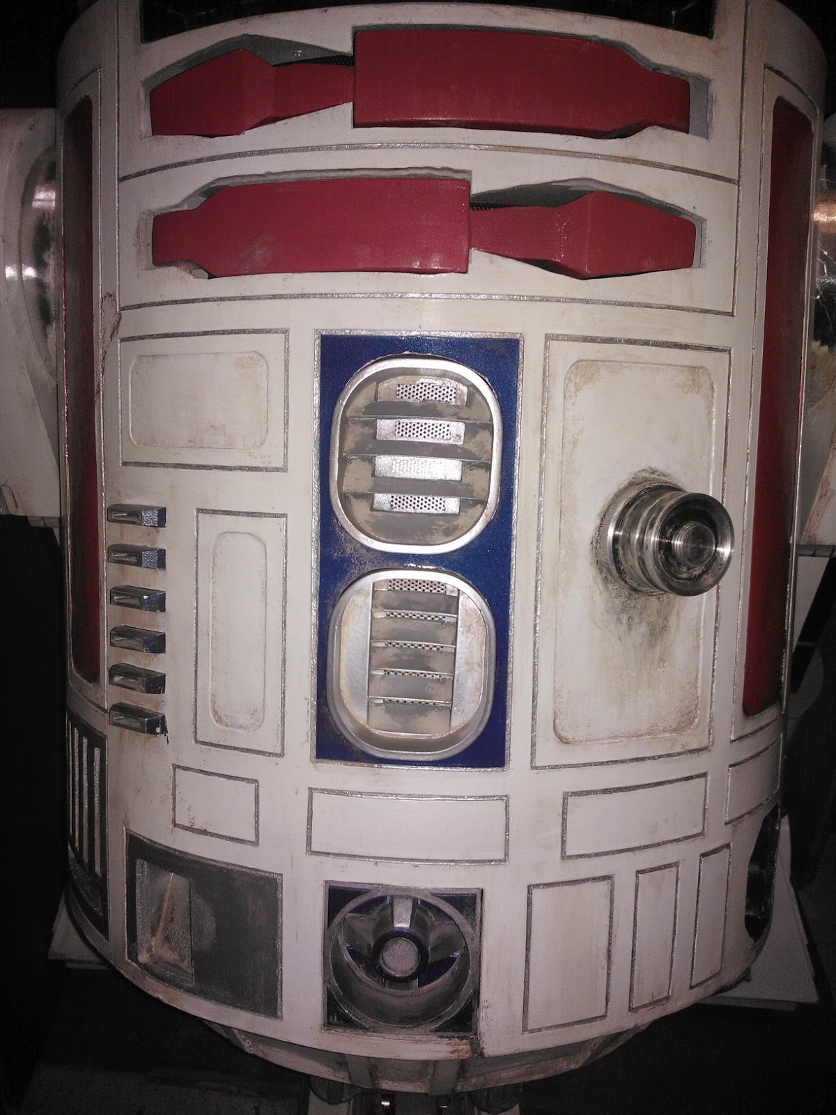 R5-D4 weathering