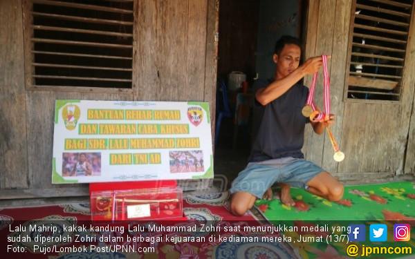 Puluhan Personel TNI di Rumah Lalu Muhammad Zohri, tapi...
