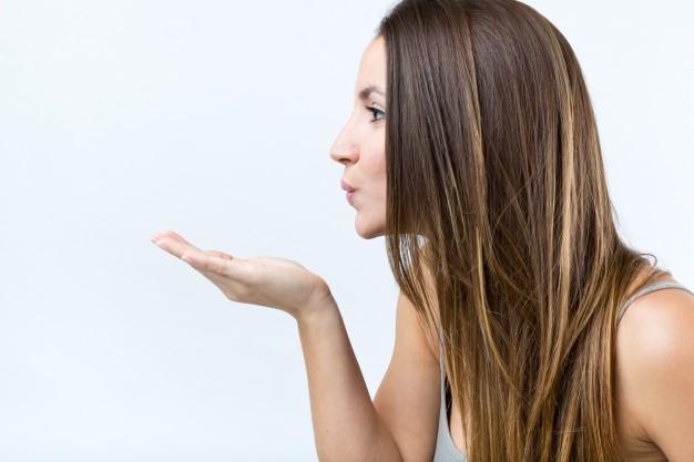 طريقة استعمال زبدة الشيا على الشعر الجاف