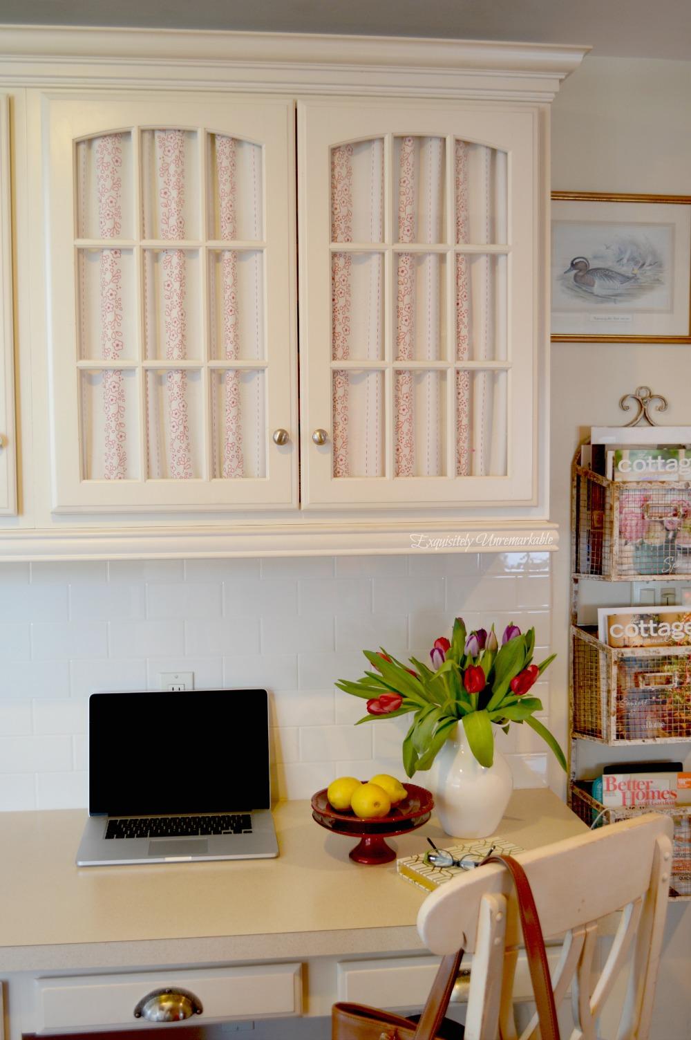 Cottage Style Kitchen Desk Decor Ideas