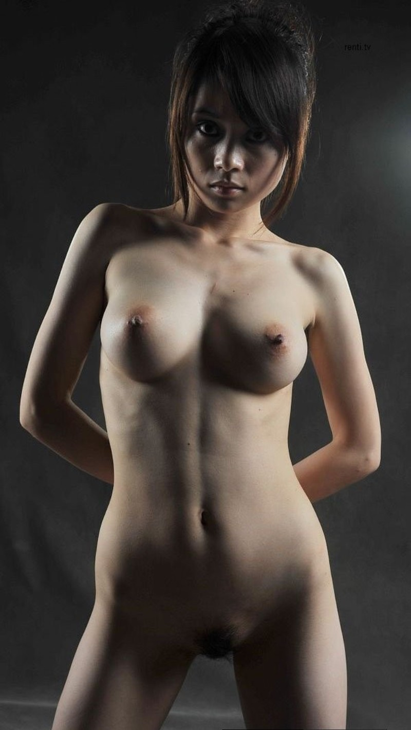 Caitlin Carver  nackt