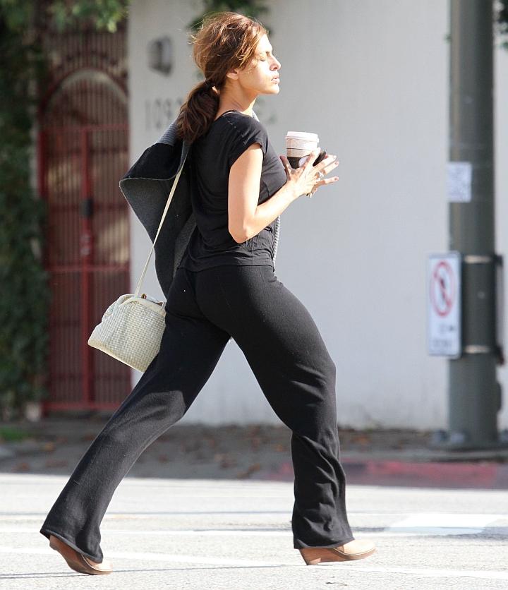 Celebrities Hot Booty Pics Hot Eva Mendes Booty Pics-4050
