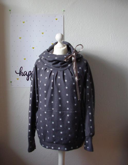 Raglan Fleece Hoodie 12 Themen 12 Kleidungsstücke