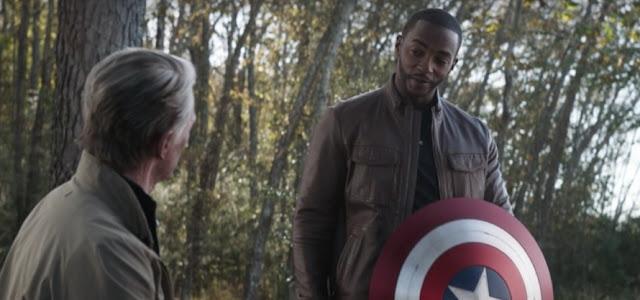 Anthony Mackie crítica a Marvel por produções com apenas pessoas brancas