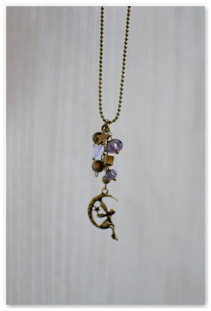 pendentif sautoir fée et lune bronze vieilli