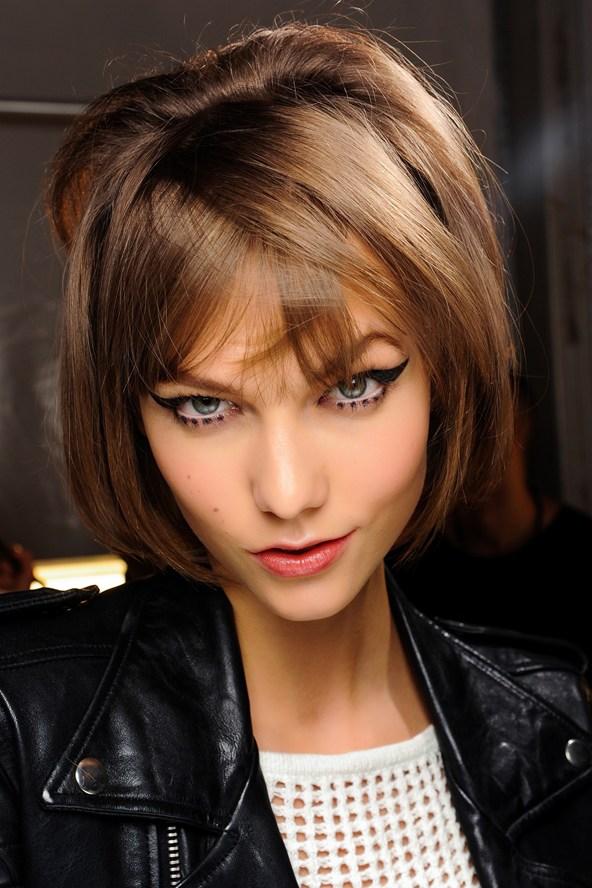 Beleza e maquiagem da Paris Fashion Week no desfile da Anna Sui