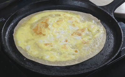 Cook-until-Golden-Spot-in-the-roti