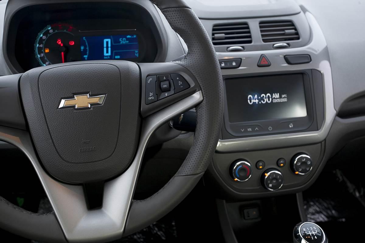 GM Cobalt 2014 chega com sistema My-Link | CAR.BLOG.BR