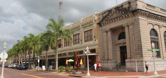 Por las calles del centro de Fort Myers