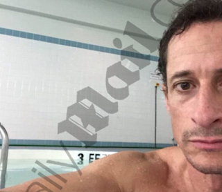 Anthony Weiner Carried On A Months-Long Online Sexual Relationship 15-Year-Old Girl